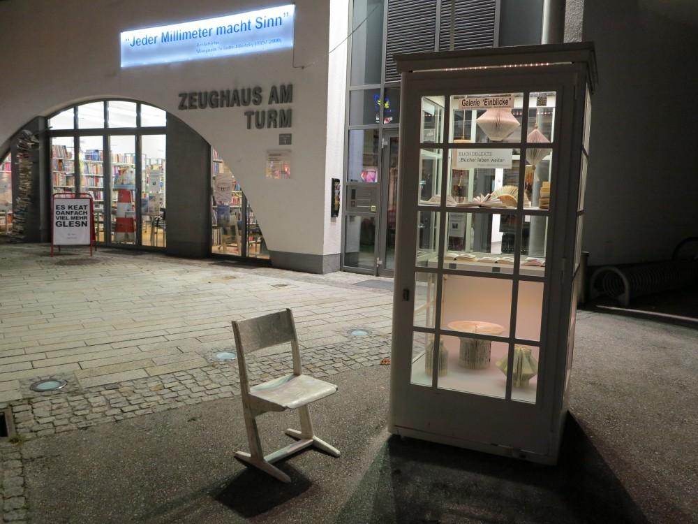 """BUCHOBJEKTE """"Bücher leben weiter"""" - Projekt: Adelheid Kirchgasser"""