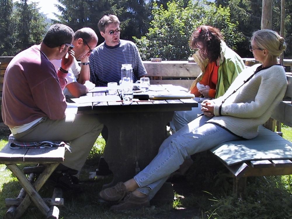 Franz Warter, Josef Schneider, Michael Habersatter, Marianne Ellmer, Elisabeth Schneider, 2000, Klausur auf der Zwisler Alm in Filzmoos