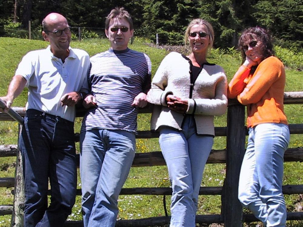 Josef Schneider, Michael Habersatter, Elisabeth Schneider, Marianne Ellmer, 2000, Klausur auf der Zwisler Alm in Filzmoos