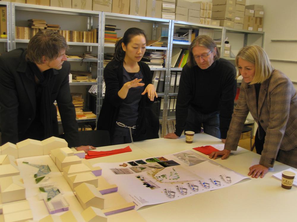 Tom Lechner, Jin Qu, Michael Habersatter, Elisabeth Schneider, 2010, Projekt Stadtplatz Radstadt, Zwischenpräsentation auf der Akademie der Bildenden Künste München
