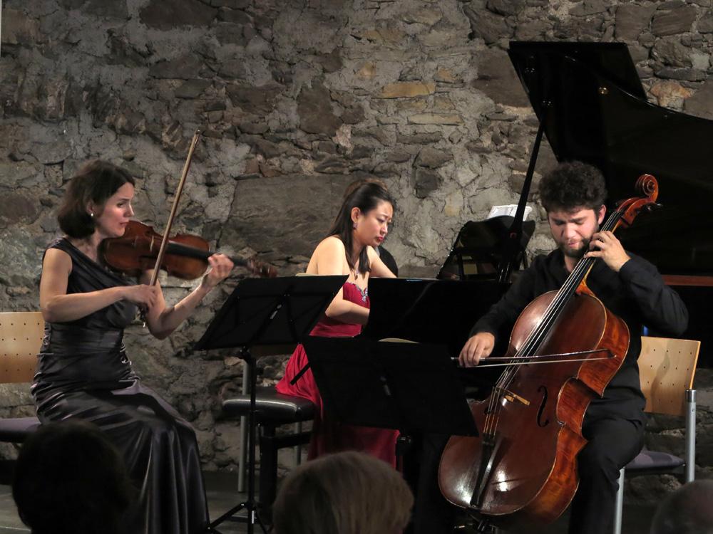 22-Trio Alba_IMG_4480