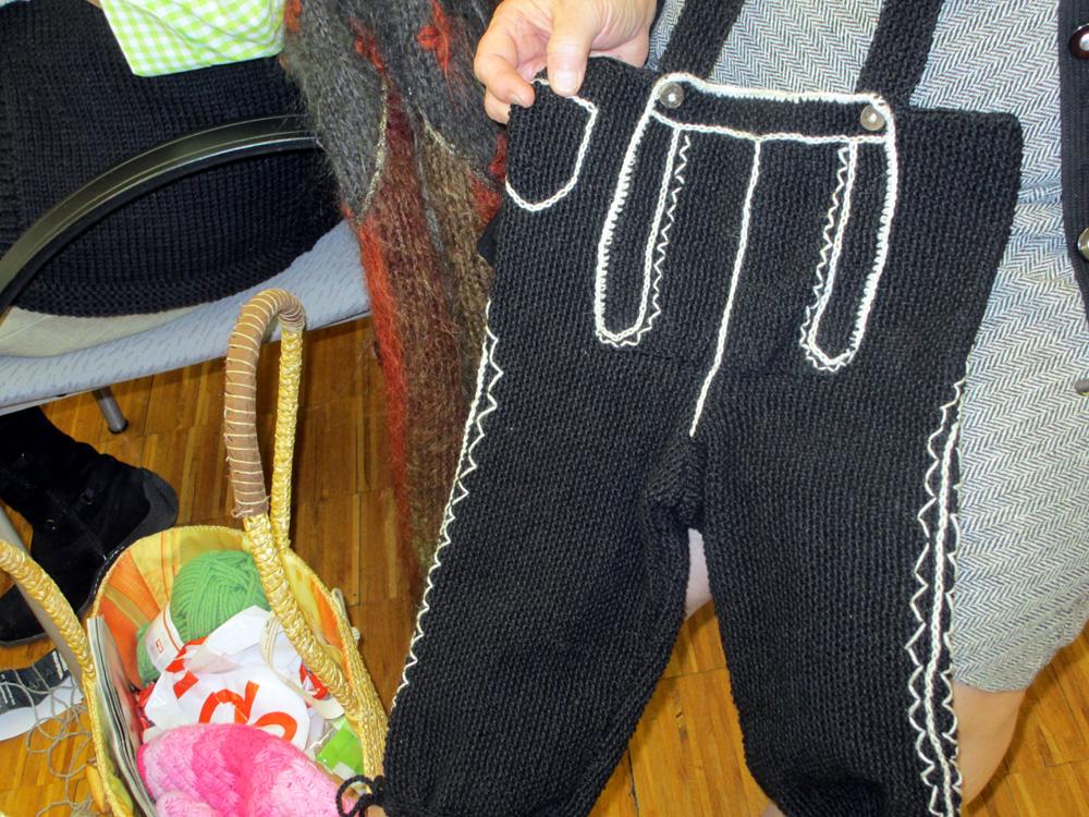 Gestrickte Kniebundhose, Dezember 2012