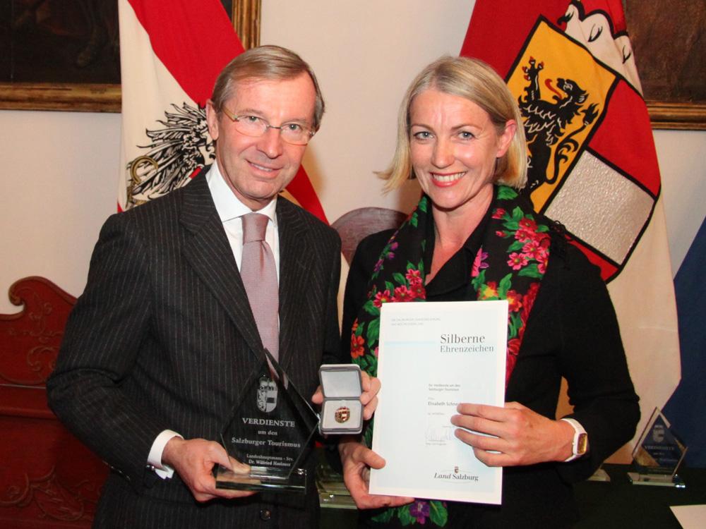 Überreichung Dekret und Ehrenzeichen am 20.11.2012 - Landeshauptmann-Stv. Dr. Wilfried Haslauer, Elisabeth Schneider